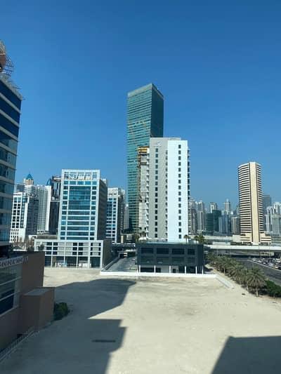 مکتب  للبيع في الخليج التجاري، دبي - 1