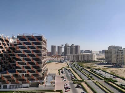 Immaculate 1 Bedroom Apartment | High Floor | Community View