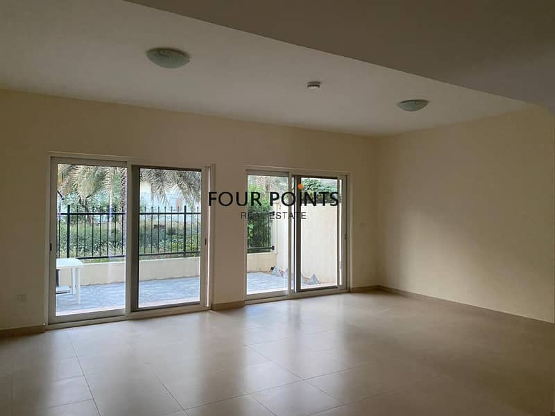2 Astounding 3BR Villa  + Mad's Room in Warsan