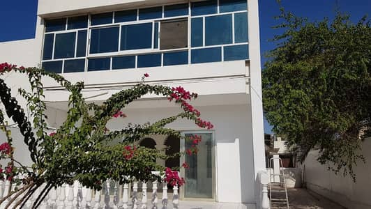 *** HOT DEAL – Pretty 4BHK Duplex Villa available in Al Jazzat area, Sharjah