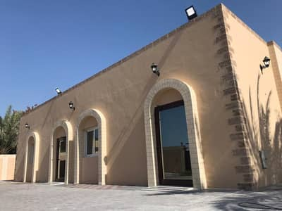 4 Bedroom Villa for Rent in Al Khezamia, Sharjah - For rent a villa in Al Khuzamia / Sharjah, the second piece of the main street, the first inhabitant