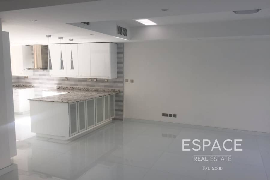 Opposite Pool - Fully Upgraded - Dec 7th