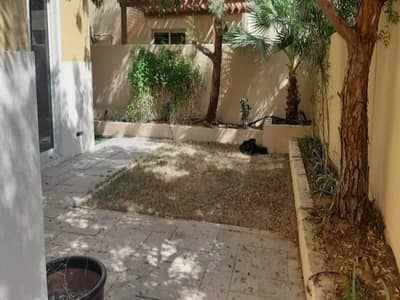 3 Bedroom Flat for Rent in Al Raha Gardens, Abu Dhabi - 3+Maids | Well-Maintained | Nice Single