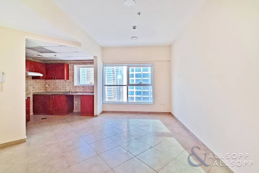 2 2 Bedrooms | Partial Lake View | Balcony