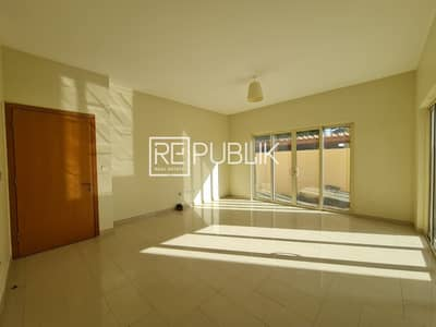 4 Bedroom Townhouse for Rent in Al Raha Gardens, Abu Dhabi - Excellent 4 Beds Townhouse Type S w/ Spacious Yard