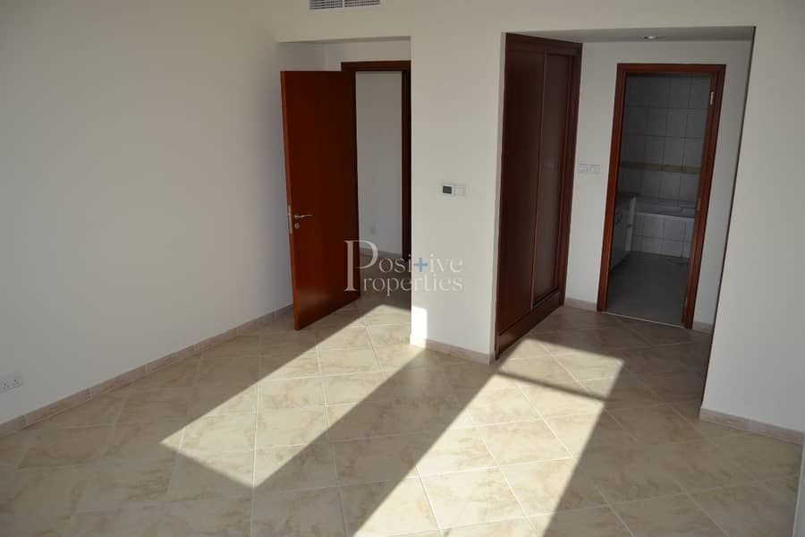 2 WELL MAINTAINED / BRIGHT AND SPECIOUS / POOL AND GARDEN VIEW