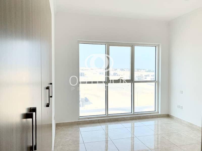 2 Pay 12 Chqs | Luxury Apartment | Near Metro