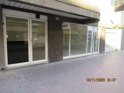 محل تجاري  للايجار في بر دبي، دبي - shop elevation