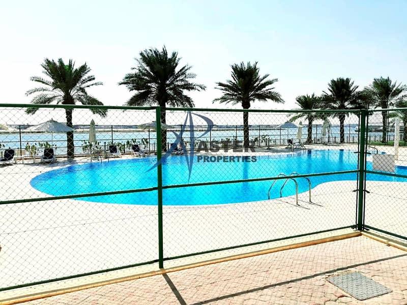 17 Amazing 4BR Villa Community  Shared Pool/Gym