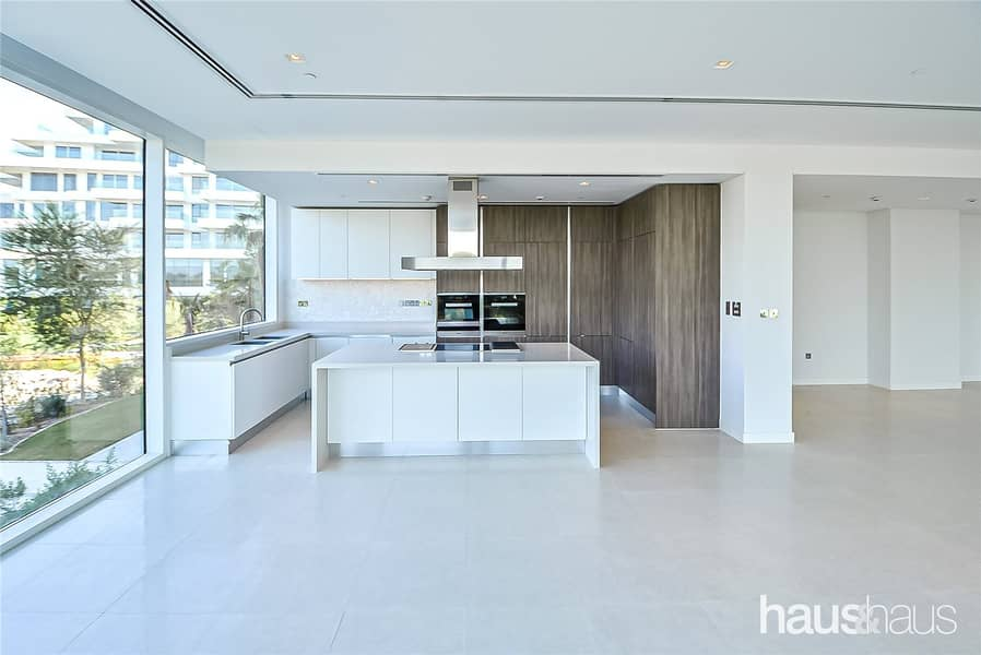 Brand New   1 Bed   Study   Private   Park Views