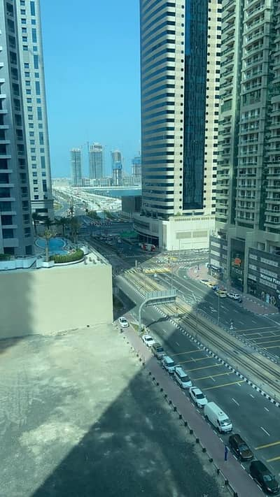 1 Bedroom Apartment for Rent in Al Reem Island, Abu Dhabi - Ready to move one bed room for rent in marina with balcony