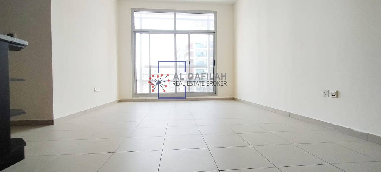 Chiller Included | Close kitchen | Bright and airy | All Amenities