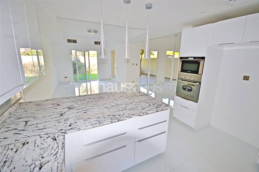 2 Showhome Standard | Fully Upgraded | Type 1M