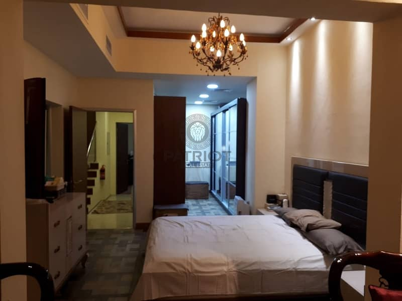 Beautiful Fully Furnished 4 Bedroom Vacant Town House  For Sale
