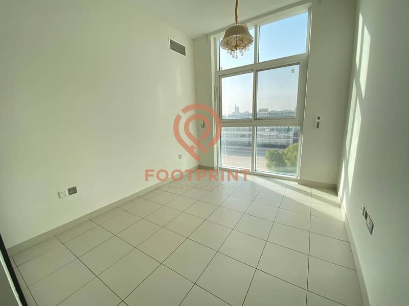 2 End User Deal | 2 BR + Hall | Community Facing | 700K.