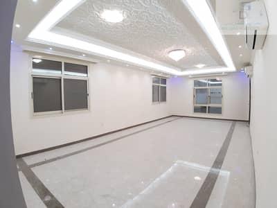 فیلا 6 غرف نوم للبيع في الروضة، عجمان - فيلا مع كهرباء ومياه ومكيفات ومسبح حجر بالكامل بناء شخصي للبيع في عجمان