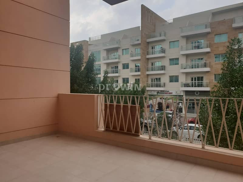 21 Spacious 3BR Apartment   Huge Unit   Amazing Garden Views   Upto 4 Cheques!!!