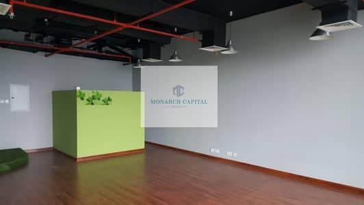 مکتب  للايجار في الخليج التجاري، دبي - Canal View