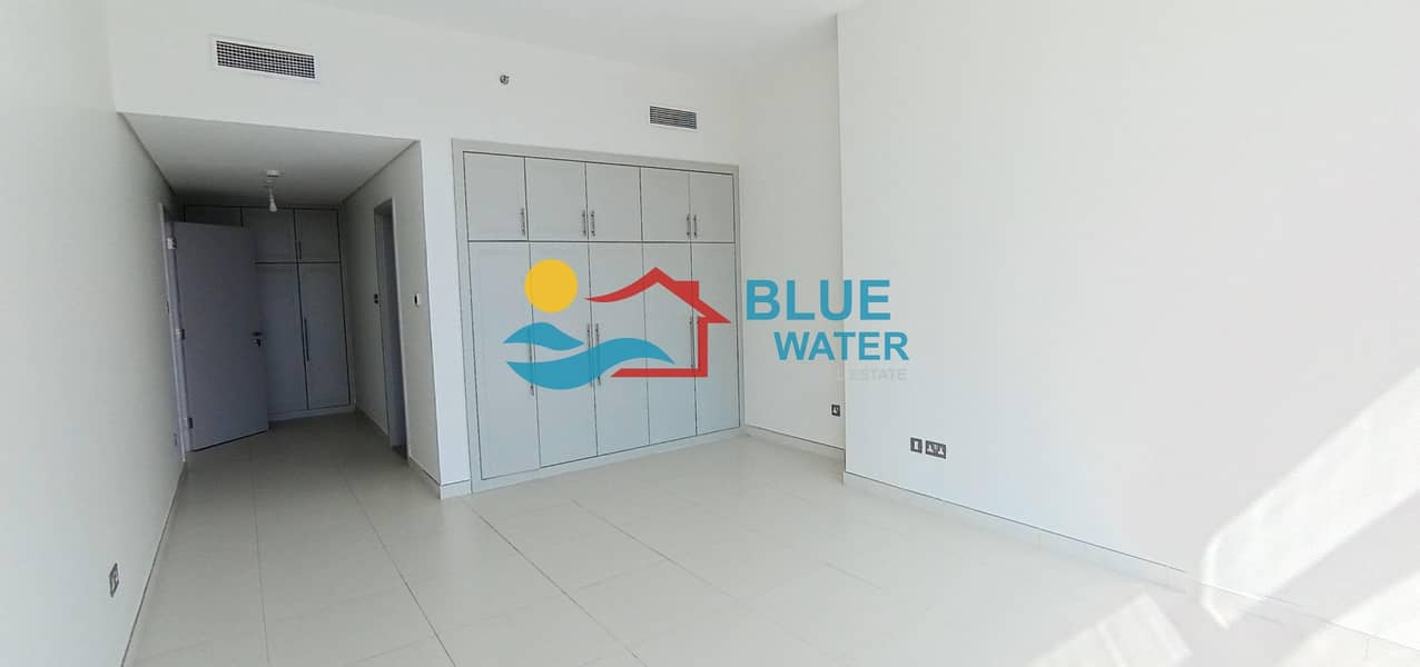 13 Luxury & Extra Large 1 Master BR with Balcony & sea view