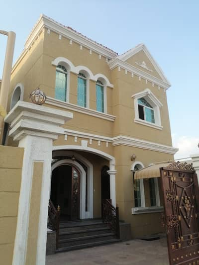 5 Bedroom Villa for Sale in Al Mowaihat, Ajman - Villa for sale, personal finishing, excellent price, Ajman, close to the main street, a large building area