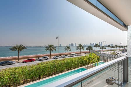 2 Bedroom Apartment for Sale in Palm Jumeirah, Dubai - Panoramic Sea View | Luxury Life Style