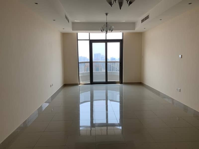 One month and parking free 2bhk rent 42k only in 6chqs with balcony near Dubai