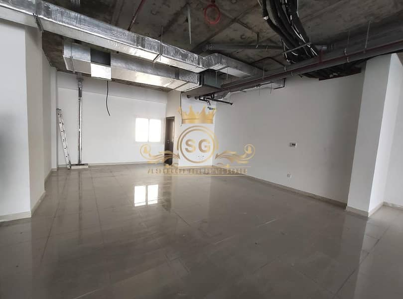 2 2 Months Free  / Spacious Showroom / Brand New