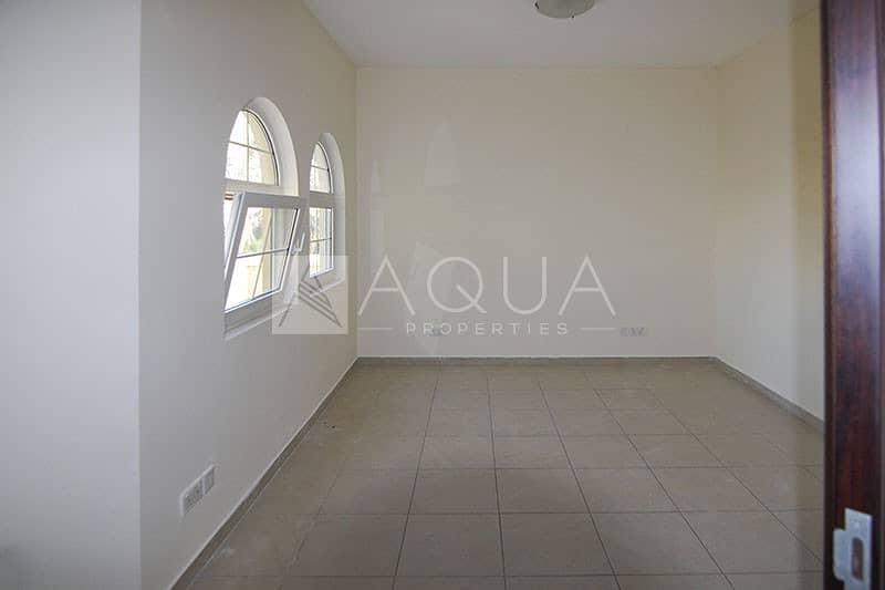20 Stunning 2 Bedroom   Upper Floor   Vacant