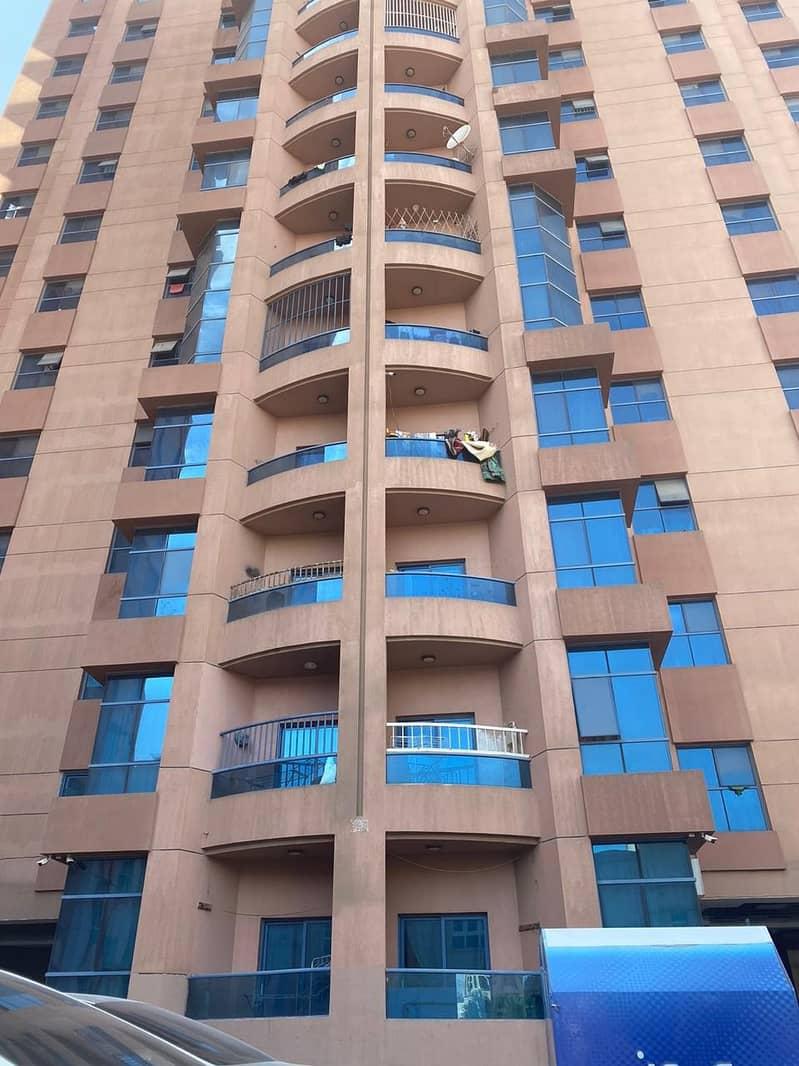 شقه 3 غرف وصاله للايجار بمساحه 2366 قدم مربع ابراج النعيميه عجمان