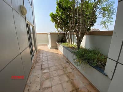 Beautiful balcony/ good size // fully facility building// 2 bedroom apartment with balcony for rent in phase 2
