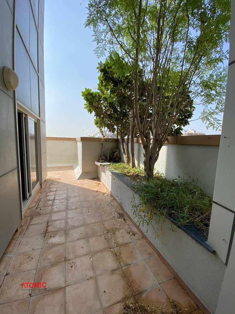 2 Beautiful balcony/ good size // fully facility building// 2 bedroom apartment with balcony for rent in phase 2