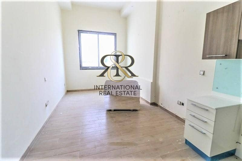 2 Well Maintained Studio | Low Floor |Community View
