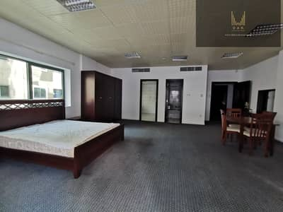 Studio for Rent in Bur Dubai, Dubai - Huge Lay-out | Lively Location | Chiller Free
