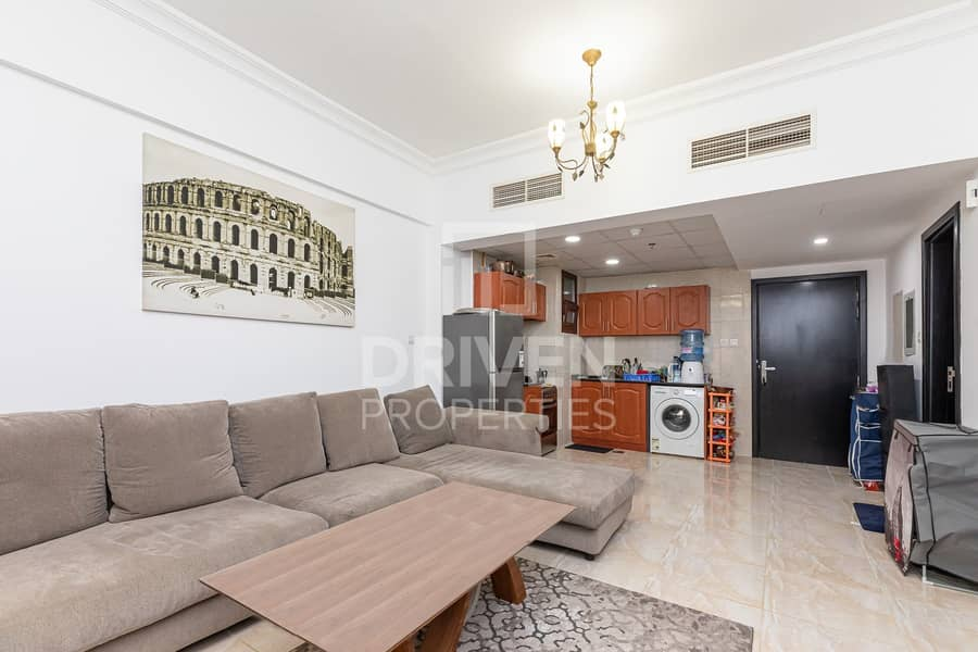 2 Furnished Apartment | Vacant on Transfer