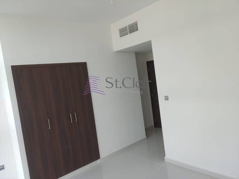 40 READY TO MOVE | CLOSE TO ENTRANCE | URGENT SALE| 4 BEDROOM  | 1.3M