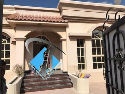 3 Bedroom Villa for Rent in Al Mowaihat, Ajman - For rent a three-room villa, well-kept, very privileged location, very close to the mosque