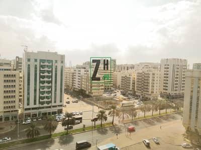 شقة 2 غرفة نوم للايجار في منطقة النادي السياحي، أبوظبي - Affordable 2 BHK Located at TCA