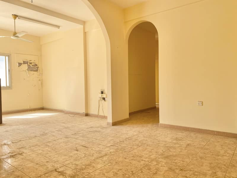 ONE MONTH FREE,SPEIOUS 3BHK IN A FAMILY BUILDING FOR 32K