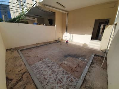 2 Bedroom Villa for Rent in Mirdif, Dubai - **1 MONTH FREE**WELL MAINTAINED LARGE 2BR-MAID-LARGE PVT BACKYARD VILLA- HUGE CLOSED KITCHEN- AWAY FROM FLIGHT PATH-AVAILABLE ON PRIME LOCATION FOR JUST