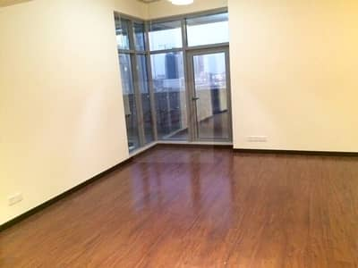 Huge 1 Bedroom In Green Lakes near metro station