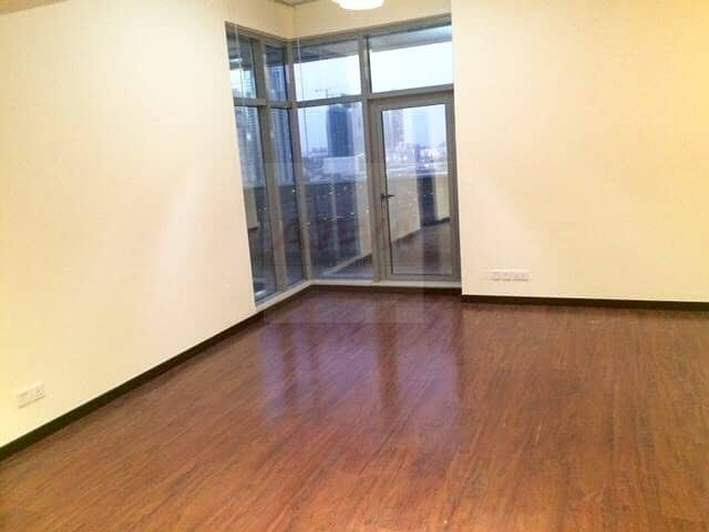 1 Huge 1 Bedroom In Green Lakes near metro station