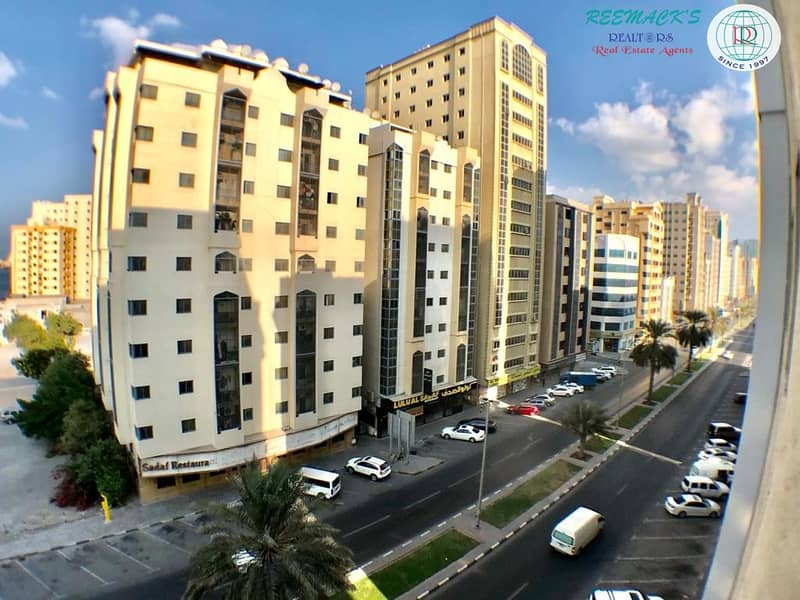 34 1 B/R HALL FLAT IN CORNICHE AREA AL JUBAIL AREA