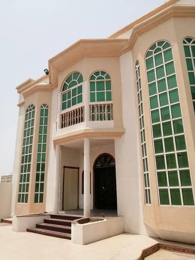 فیلا 4 غرف نوم للايجار في المويهات، عجمان - Hot offier !! Brand new Sharing villa 4 master bedroom and hall and majlish( upper floor) for rent only for  Asian family