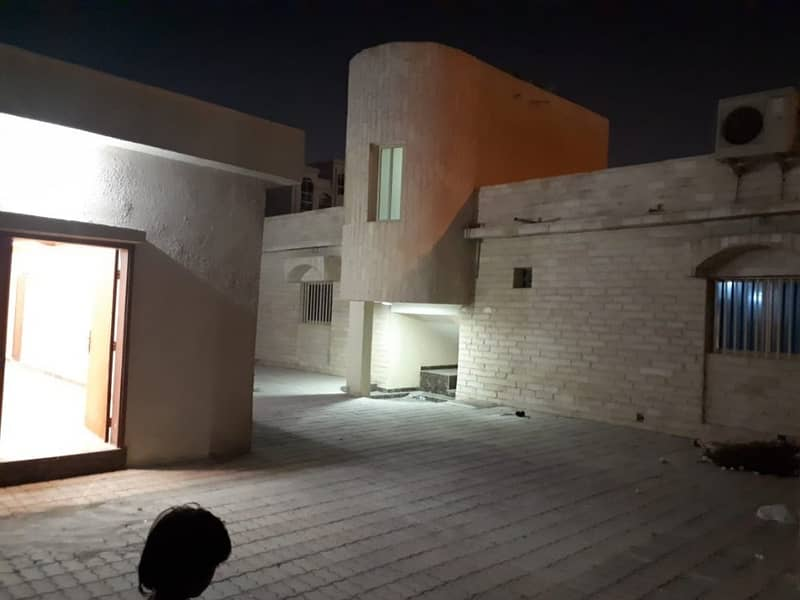 9 GREAT OFFER!!! BEST INVESTMENT FOR BUYING 7 SHOPS AND 1 VILLA IN AL NUAIMIYA BUSY AREA WITH CHEAP PRICE