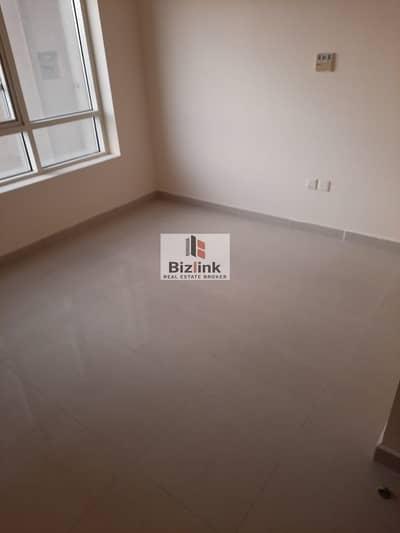 شقة 3 غرف نوم للايجار في النهدة، الشارقة - 3 bedroom with very big hall with maid room one master room 3 bathroom