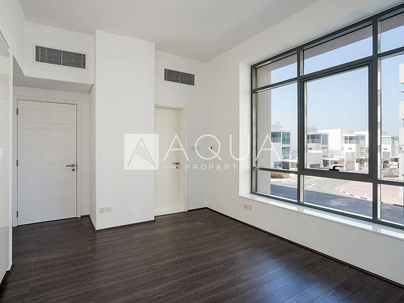2 Bright and Spacious | J8 | Al Sufouh | Balcony
