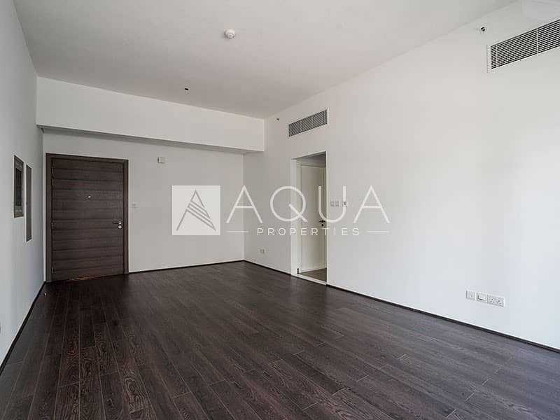 10 Bright and Spacious | J8 | Al Sufouh | Balcony