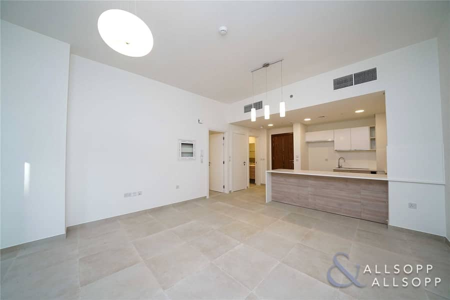 One Bed | Large Balcony | Plaza Facing
