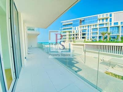 2 Bedroom Flat for Rent in Saadiyat Island, Abu Dhabi - Spacious Luxury  Unit!  2BR+ Maid  W/D Terrace