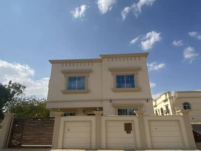 5 Bedroom Villa for Sale in Al Helio, Ajman - New villa with beautiful finishing and excellent location close to the stre